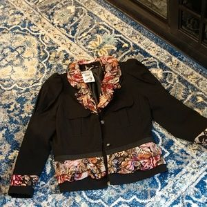 Boutique,NWT black floral blazer, size LG.
